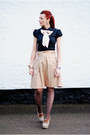 Black-very-shirt-dark-brown-patterned-ff-tights-eggshell-mango-skirt