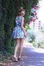 Turquoise-blue-dress-white-stradivarius-bag-neutral-centro-russia-heels