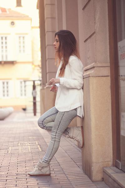 heather gray pull&bear jeans - ivory Vero Moda blazer