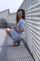 white Chinese Laundry heels - light blue Topshop dress