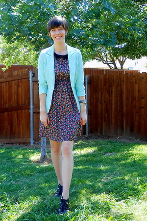 aquamarine blazer - black simply vera sandals