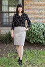 Black-shoes-off-white-pretty-polly-tights-beige-ann-taylor-skirt
