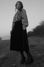 Black-vintage-shirt-black-velvet-vintage-skirt-black-new-look-wedges
