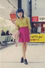 Yellow-vintage-shirt-light-pink-bag-black-oxford-alchemy-heels-hot-pink-vi