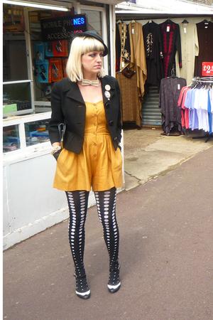 Samantha Pleet shorts - vintage jacket - Emilio Cavallini tights - vintage neckl