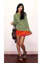 orange random brand skirt - olive green banana republic sweater