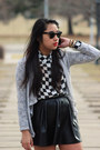 White-checkered-forever-21-shirt-black-vintage-ray-ban-sunglasses