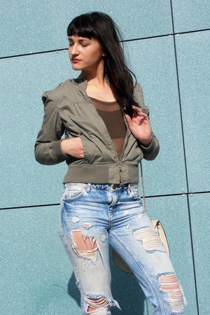 olive green maison scotch jacket - light blue New Yorker jeans