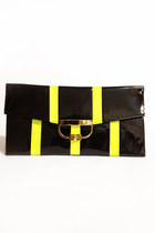 Black-number-a-purse
