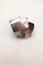 Silver-ring