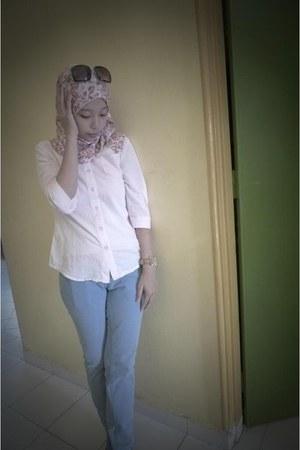 cotton pink no brand shirt - no brand scarf - Mango sunglasses - blue no brand p
