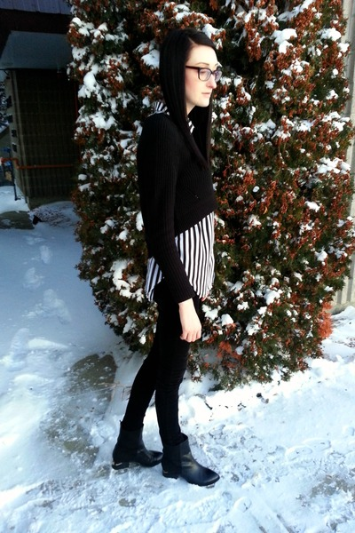 black Choies boots - black Forever21 sweater - black H&M blouse