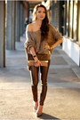 Light-brown-similar-bag-gold-similar-heels-light-brown-similar-jumper