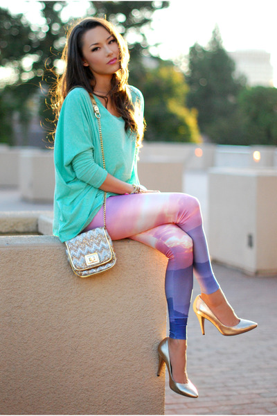 aquamarine Plndr top - amethyst lovely sally leggings - gold Vince Camuto heels