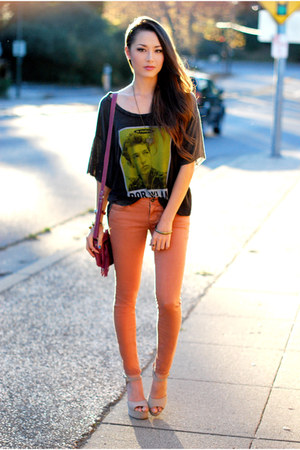 gray PacSun top - burnt orange PacSun jeans - magenta CNP Bags bag