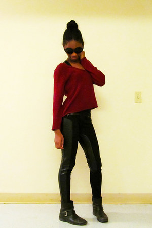 black leather Steve Madden boots - brick red cropped thrifted sweater