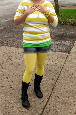 yellow Bakers tights - black combat boots Charlotte Russe boots