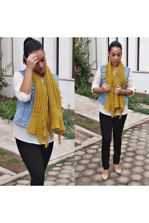 black denim OGGI Jeans jeans - off white Philosophy Jr shirt - mustard scarf