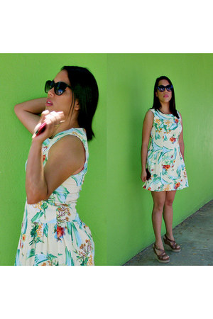 light yellow Local store dress - black plastic c&a sunglasses