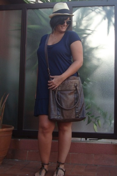 Stradivarius purse - Zara dress - H&M shoes - BLANCO hat