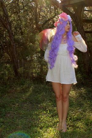 white boho Sheinside dress - pink wings accessories