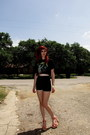 High-waisted-kirra-shorts-metallica-t-shirt-platform-madden-girl-sandals