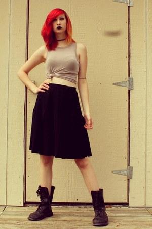 black combat boots Banana Bay boots - black high waisted Tahari skirt
