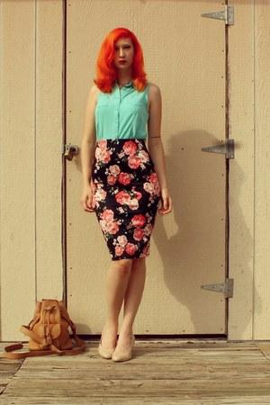 black pencil skirt Ross skirt - camel vintage Dooney & Bourke purse