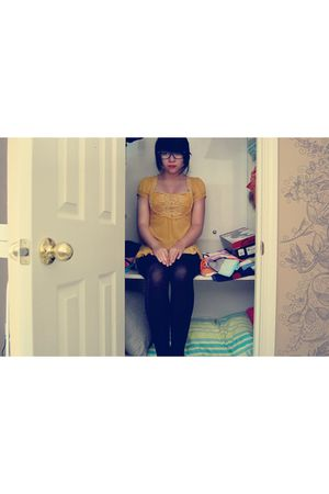 gold Forever21 top - black tights