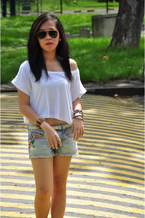 thrifted shirt - WAGW shorts - Ray Ban accessories