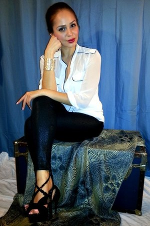 Express leggings - Worthington blouse - Guess heels