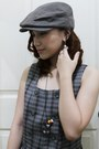 Brown-plaid-dress-brown-beret-hat