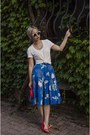 Red-wedges-shoes-blue-pleated-a-line-modcloth-skirt