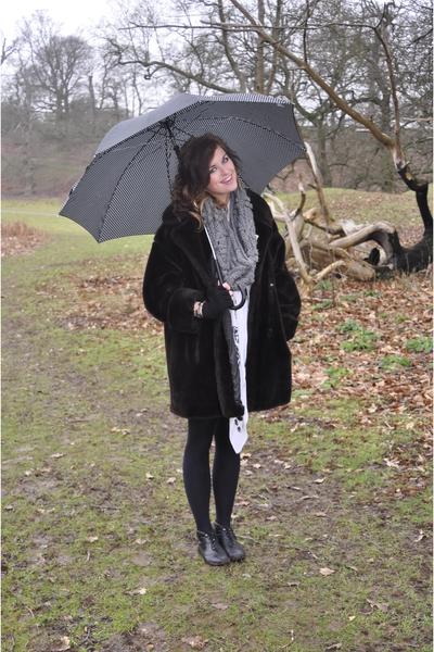 brown Camden - Vintage coat - gray Zara scarf - black Camden - Vintage boots - b