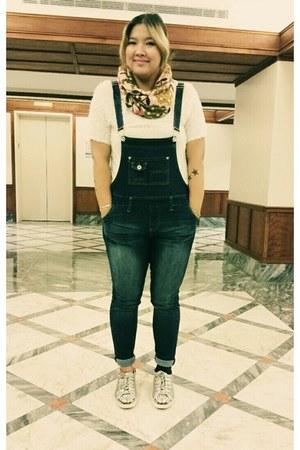 white fur t-shirt Topshop t-shirt - navy Levis jeans