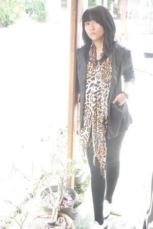 gray go shop blazer - black unknown brand leggings - brown Bali Shop scarf - whi