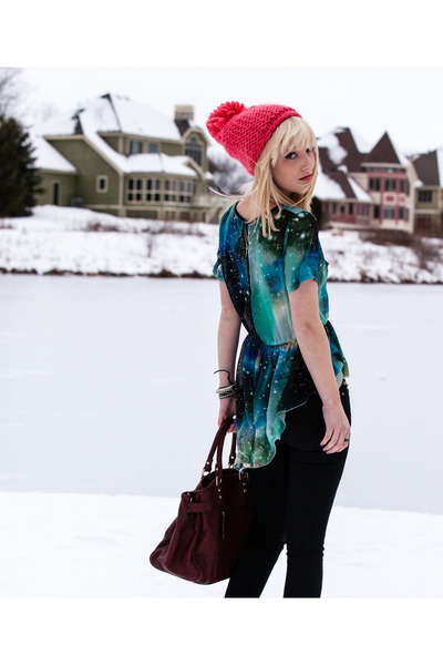 teal cosmic inlovewithfashion shirt - hot pink Anthropologie hat
