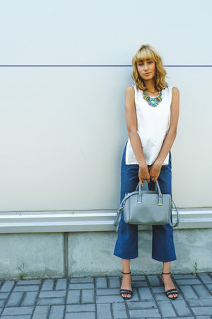 heather gray asos bag - white next top - navy asos pants - black J Jill sandals