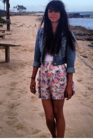 light denim jacket - floral print skirt - top