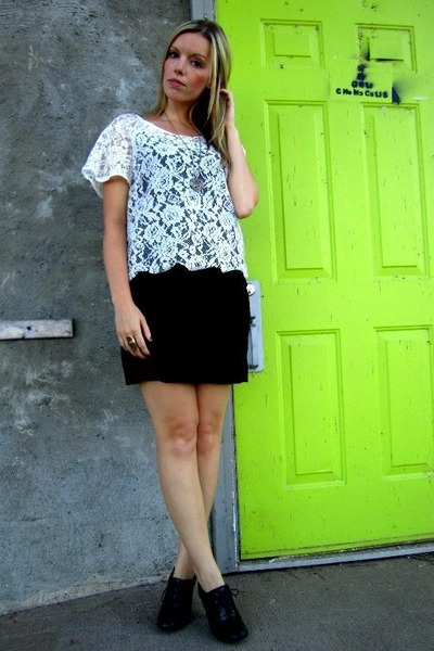 white Audrey 31 top - black thrifted shoes - black Vero Moda skirt - gold le cha