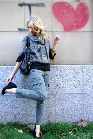 green skinny cargo Costa Blanca pants - black le chateau shoes