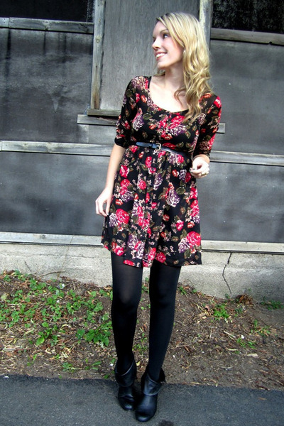 black H&M dress - black Steve Madden boots - black HUE tights - black Joe Fresh