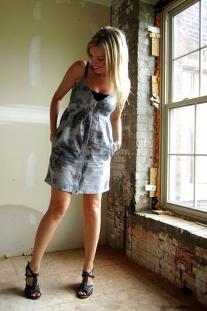 gray Urban Planet dress - gray Aldo shoes