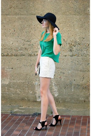 black Gap hat - black ann taylor bag - white Ark & Co shorts