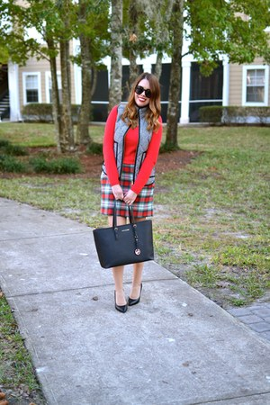 JCrew vest - Old Navy sweater - Michael Kors purse - Payless heels - JCrew skirt