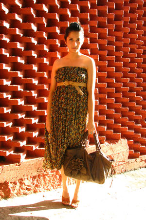 black vintage dress - brown shoes - brown