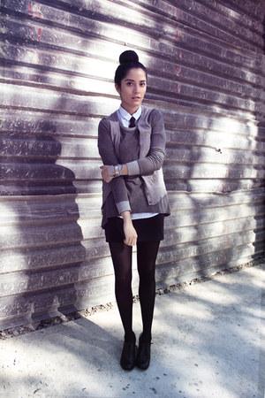 light blue cotton thats it blouse - black leather flexi shoes