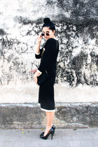 black knitted vintage dress - black unknown brand shoes