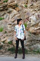 crimson vintage vintage boots - dark gray skinny jeans Levis jeans - white flora