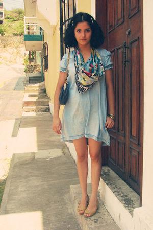 blue dress - blue purse - blue scarf - gold accessories